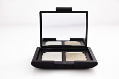 Sombra Dúo Eye Shadow Vent Glace, $24.800, Nars