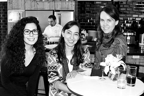 Montserrat Schweitzer, Paulina Briones y Carolina Varleta