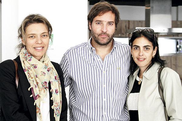 Francisca Maira, José Miguel y Alejandra Jarpa