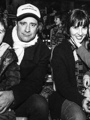 Marcial Tagle y Luz Valdivieso con sus hijos
