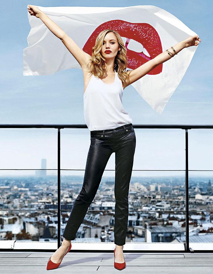 Otra imagen de la campaña de zapatos Minelli