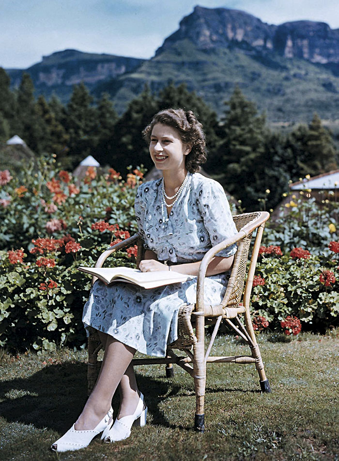 En 1947, antes de convertirse en Reina.