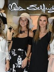 Antonia Bulnes, Teresita Della Maggiora, Josefina Pooley y Francisca Brown