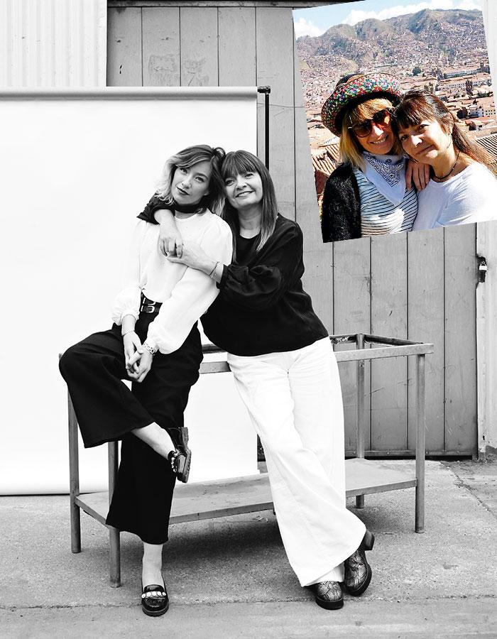 Camila: top, Vintage; zapatos, Hush Puppies. Aurora: top y pantalón, Karyn Coo; zapatos, Aurora Conejero.