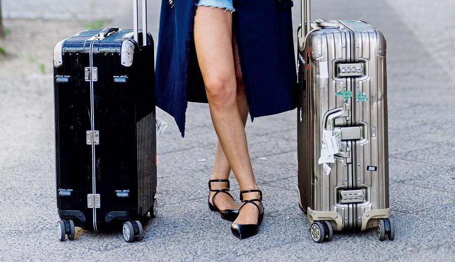 6af6737e1 Es la que escogen decenas de estrellas de cine, modelos y otras  celebridades y con las que son frecuentemente fotografiadas. Es la maleta  Rimowa, ...