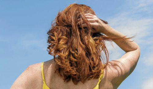 Cómo combatir a los archienemigos del pelo tinturado