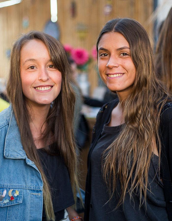 Claudia Hernández y Valentina Caracoch