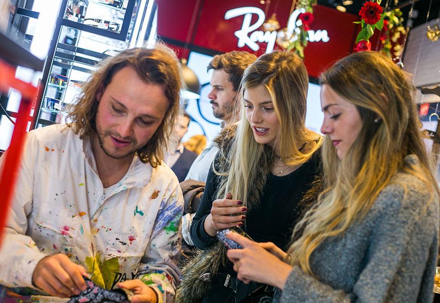 68a3dd151f Ray-Ban inauguró su primera tienda en Latinoamérica - Revista Mujer