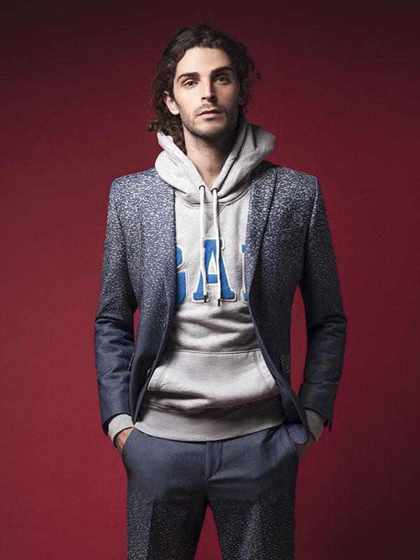 Gap, polerón, $49.990; García Madrid, traje, consultar precio en tienda