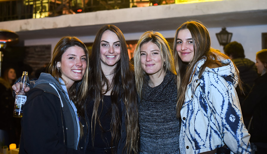 Camila Picó, Michelle Mouchbek, Valentina Picó y Clara Lyon
