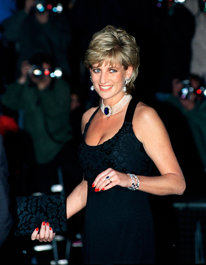 LONDON,-UNITED-KINGDOM---NOVEMBER-20--The-Princess-Of-Wales-Attending-A-Gala-Evening-In-Aid-Of-Cancer-Research-At-Bridgewater-House,-London.--(Photo-by-Tim-GrahamGetty-Images)
