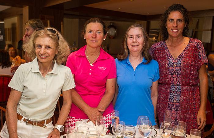 Virginia Armanet, Magdalena Detigny, Cecilia Fabres y Constanza Donoso