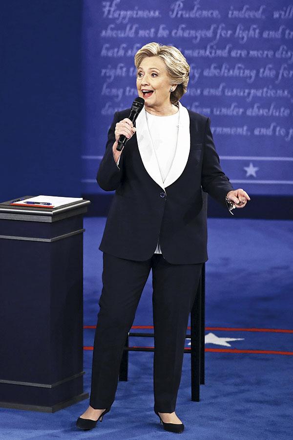 Hillary Clinton 'masculinizó' su clóset mientras hizo campaña.