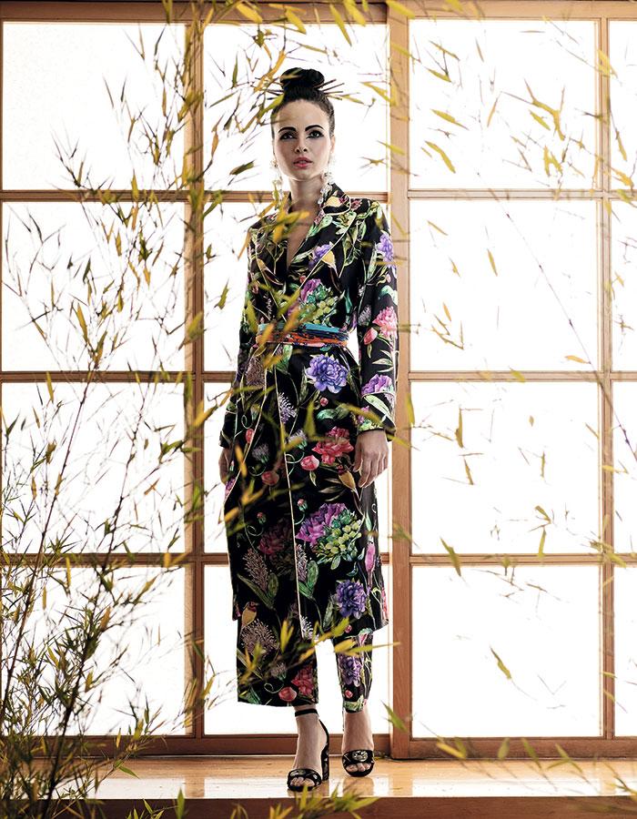 H&M, kimono y pantalón; Rapsodia, pañuelo (como faja); Aldo, zapatos; Mango, aros