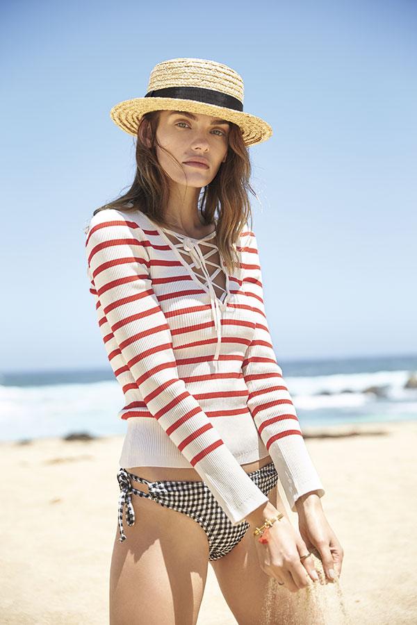 Marquis en Ripley, bikini, $19.990  Alaniz en Paris, suéter, $16.990  Bimba y Lola, sombrero, $28.950 Bimba y Lola, pulsera, $28.950