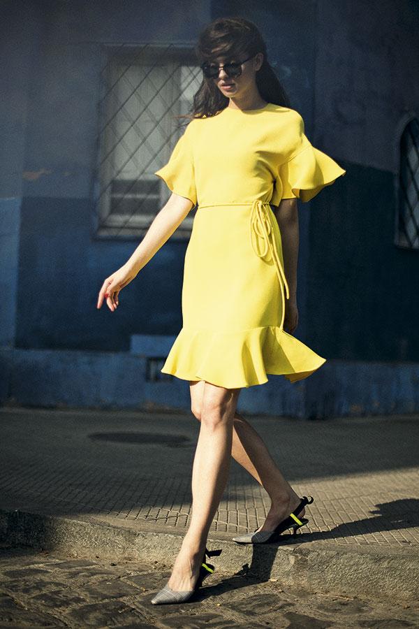 Ray-Ban en GMO, anteojos, $109.900  CH Carolina Herrera, vestido, consultar precio en tienda  Zara, zapatos, $29.990