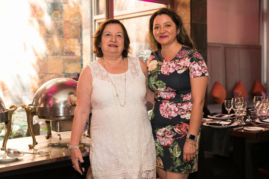 Marina Meneses y Julia Salas