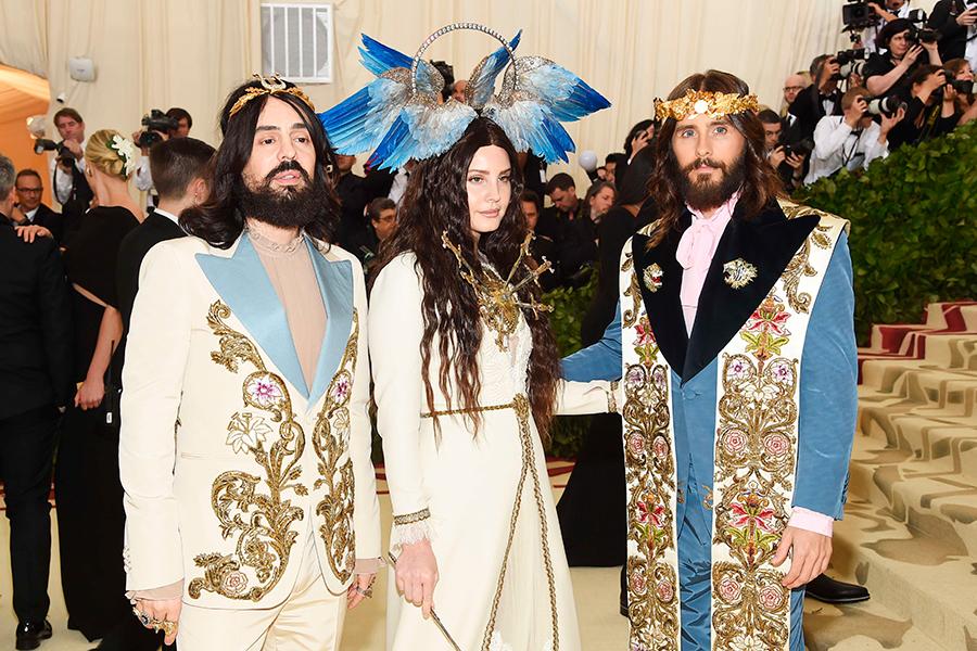 El director creativo de Gucci, Alessandro Michele, se presentó con Lana Del Rey y Jared Leto.