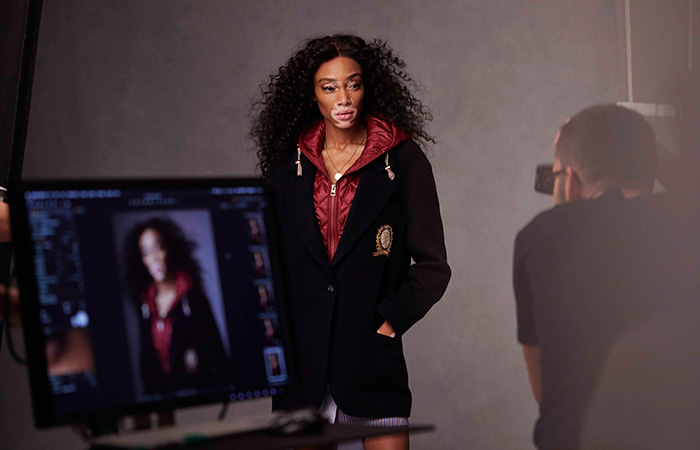 Winnie-Harlow-Tommy-Icons-Blazer-BTS-Fall-18-Low-Res-(1)
