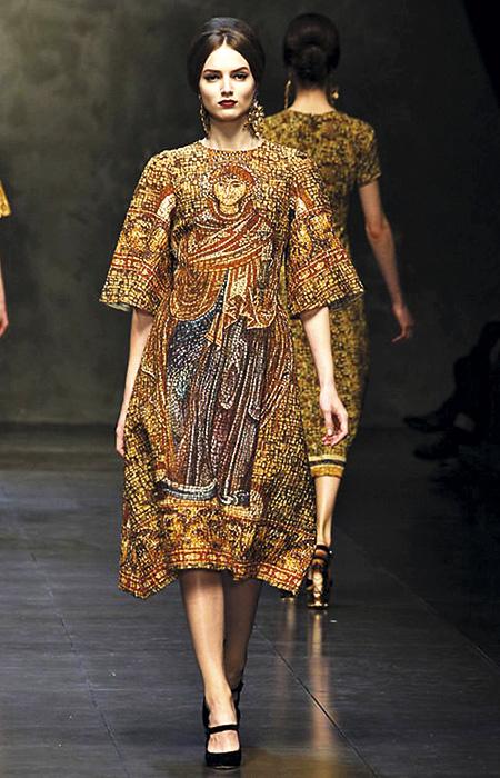 Modelo de la colección O/I 2013, Dolce & Gabbana.